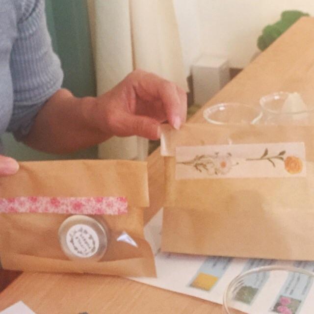 バラの練り香水ワークショップ