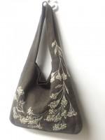 浜七重さん風の鞄