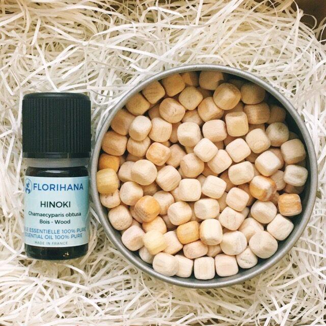 ヒノキ精油とアロマウッドキューブヒノキのギフトセット